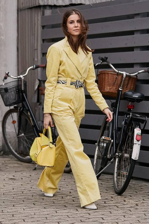 0e331724013 7 υπέροχοι τρόποι να φορέσεις το παστέλ κίτρινο (+ τα αγαπημένα μας ...