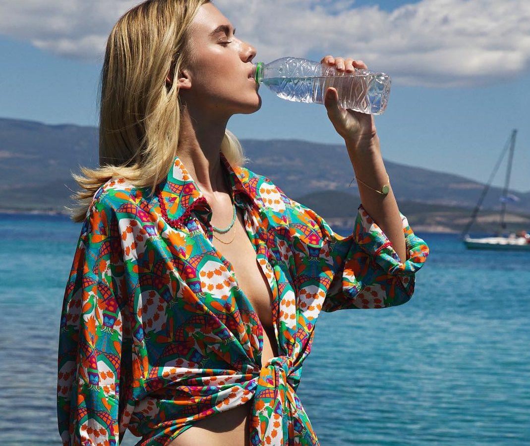 18 διαφορετικά beachwear κομμάτια για να κάνεις την διαφορά στην παραλία