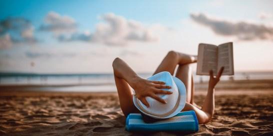 12 βιβλία με τα οποία θα ταξιδέψεις μακριά αυτό το καλοκαίρι Συγκεντρώσαμε εκδόσεις για διαφορετικά γούστα που θα κεντρίσουν το ενδιαφέρον σου, ενώ απολαμβάνεις τις διακοπές σου.