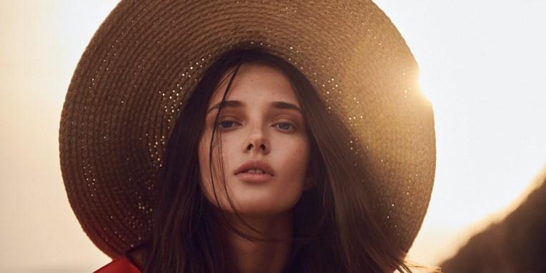 Beauty Guide 2020: Όλες οι τεχνικές για πρόσωπο και σώμα από το Α μέχρι το Ω Υπάρχει ελάχιστα τραυματική λιποαναρρόφηση, πίλινγκ που δεν ερεθίζει, λέιζερ αποτρίχωσης που γίνεται σε μαυρισμένο δέρμα; Μάθετε τι μπορείτε να προγραμματίσετε πριν από τις διακοπές σας και τι θα σας κοστίσει σε χρόνο ανάρρωσης η αλλαγή που επιθυμείτε.