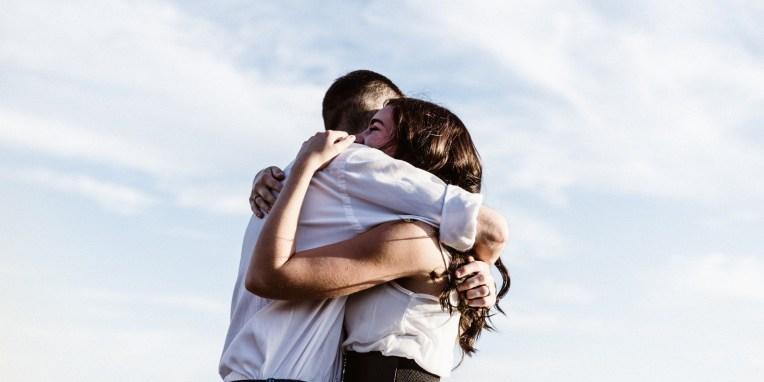 6 στοιχεία που μαρτυρούν πως ένας σύμβουλος γάμου πρέπει να είναι στα άμεσα σχέδια μας Η σύμβουλος ψυχικής υγείας Σοφία Λίναρη σου ανοίγει τα μάτια...