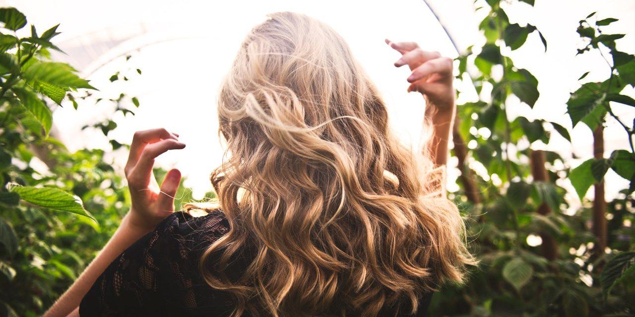 Περιποιηθείτε τα μαλλιά σας με τις θεραπευτικές πρακτικές της Αγιουρβέδα