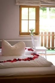 Rosen im Bett