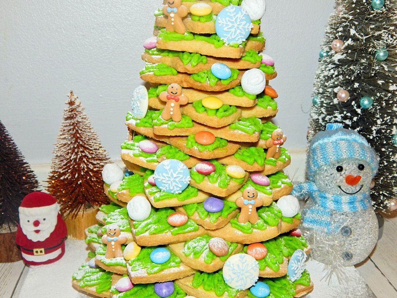 Shortbread Christmas Tree Recipe | BLOGMAS, Day 7!
