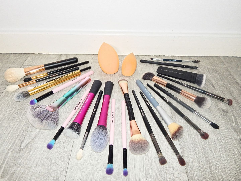 brushes 17