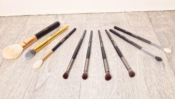 brushes 8