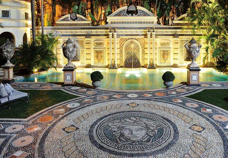 Villa Casuarina ex casa di Gianni Versace a Miami con ristorante italiano Giannis