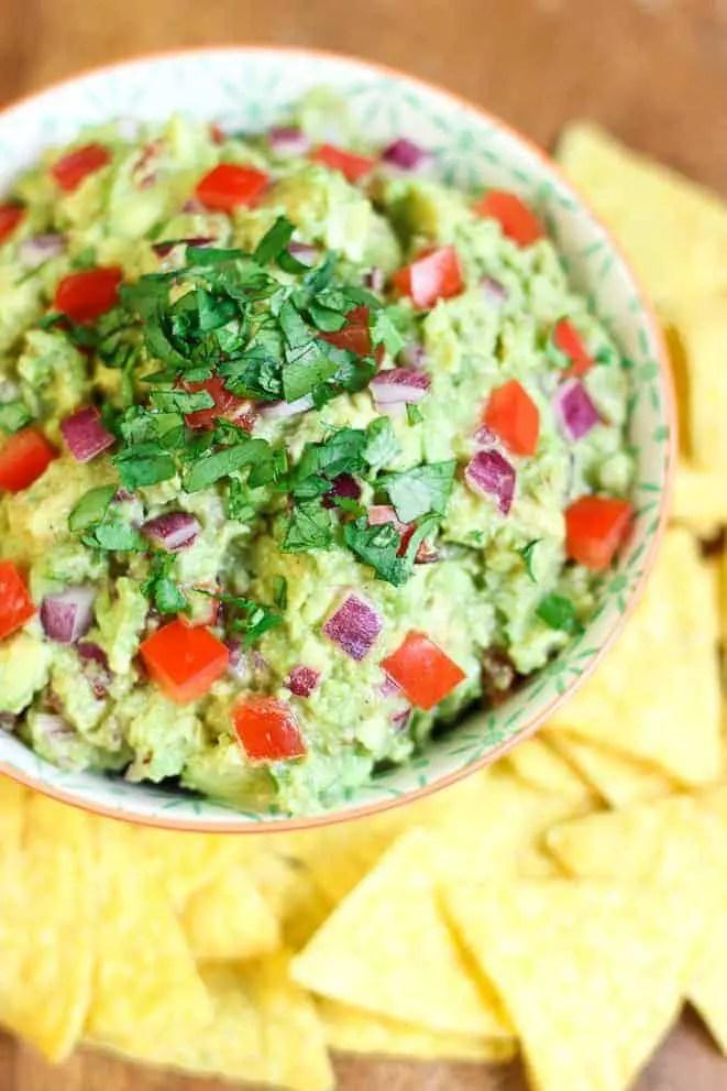 Le vrai guacamole avec des tortillas