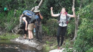 And were very happy to arrive at our destination after 7h walking we arrived at the waterfall