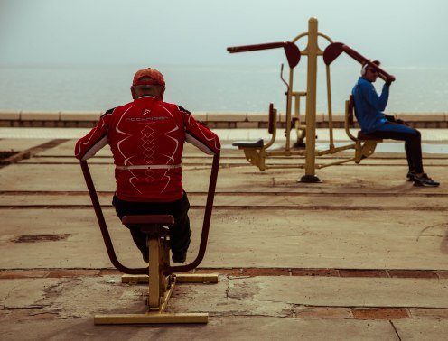 I get a kick out of the senior spaniards in lycra doing their workout on public exercise equipment.