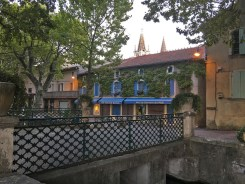Goudargues bridge canal_220916
