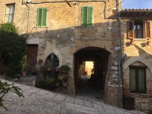 Montefalco Italy street5_271017