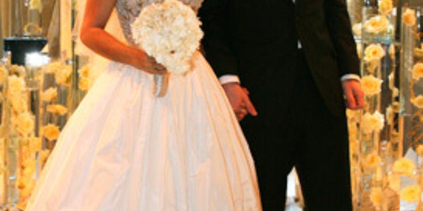 Salma Hayek's Balenciaga wedding dress: the first pictures