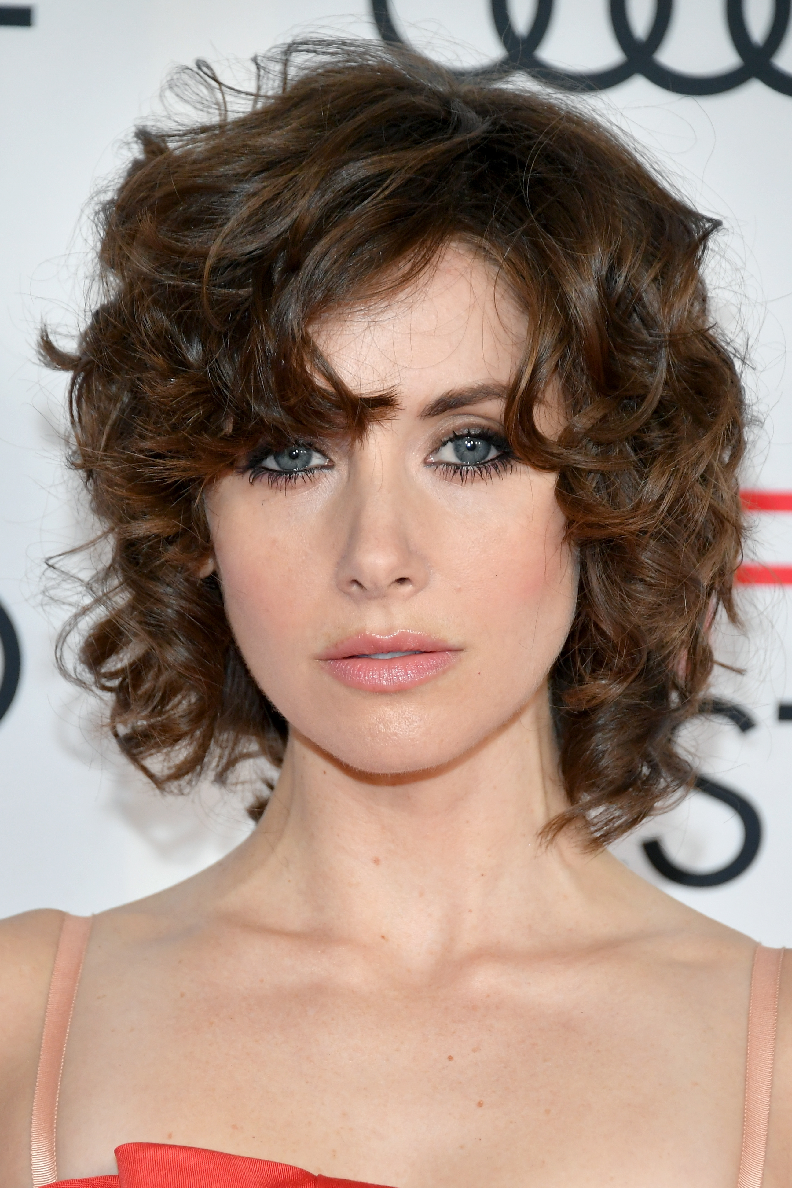18 Easy Curly Hairstyles  How to Style Long Medium or