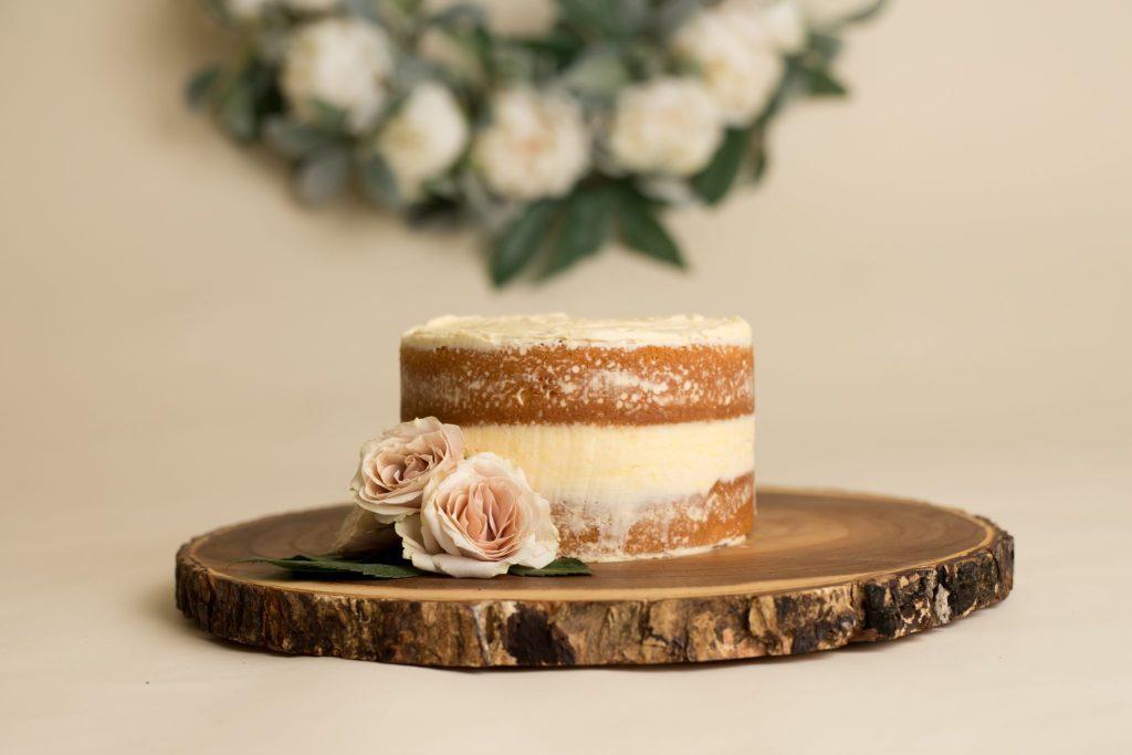 """beautiful """"naked"""" smash cake"""