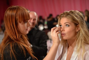 Doutzen-Kroes-patiently-waited-her-stylist-perfect-her-makeup