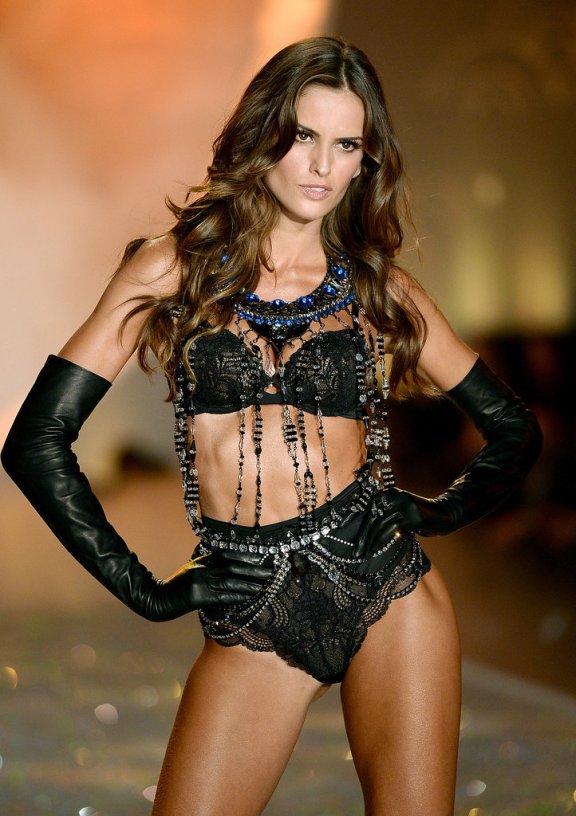 Victoria-Secret-Fashion-Show-2013-Pictures (25)