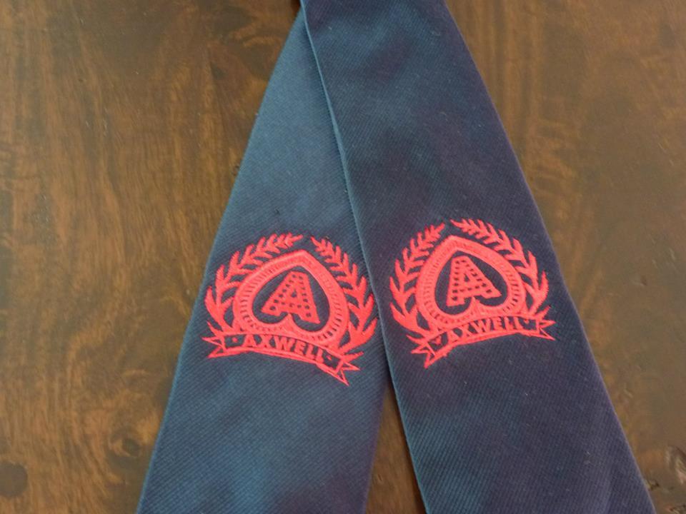 logo op stropdas