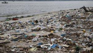 rio-beach-trash