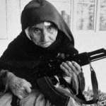 Καταρρίπτεται – 86χρονη γιαγιά στα Ζωνιανά της Κρήτης περιμένει αρματωμένη τους τζιχαντιστές [photo]