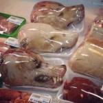 «Κεφάλια σκύλων στα σούπερ μάρκετ της Ευρώπης» – Καταρρίπτεται