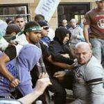 Μουσουλμάνοι έκαναν ντου για να χτυπήσουν του διαδηλωτές της Μονής Εσφιγμένου – Καταρρίπτεται