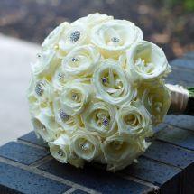 white bouquet, roses, bling