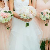 pink bridesmaids dresses, bouquets