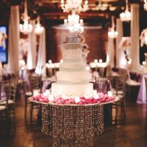 hanging cake, luxury cake, floating cake