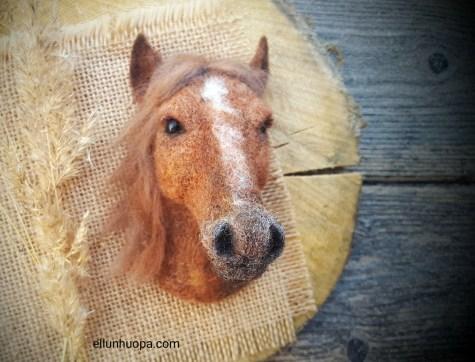 Hevosia poneja minihevosia , hevoskuvat, hevonen kuuma, hevosten kuvaaminen, rintaneula hevonen, hevonen, suomenhevonen, hevonen huovasta, huopahevonen, hevosen kuva,