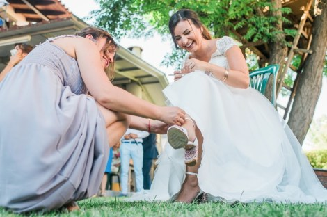ellwed Anna_Matthieu_mirror_a13_low Colorful Country Wedding in the Greek Village of Elateia