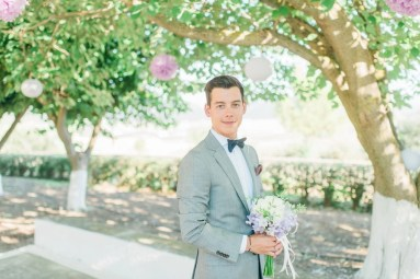 ellwed Anna_Matthieu_mirror_a24_low Colorful Country Wedding in the Greek Village of Elateia