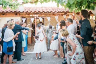 ellwed Anna_Matthieu_mirror_a31_low Colorful Country Wedding in the Greek Village of Elateia