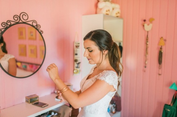 ellwed Anna_Matthieu_mirror_a6_low Colorful Country Wedding in the Greek Village of Elateia