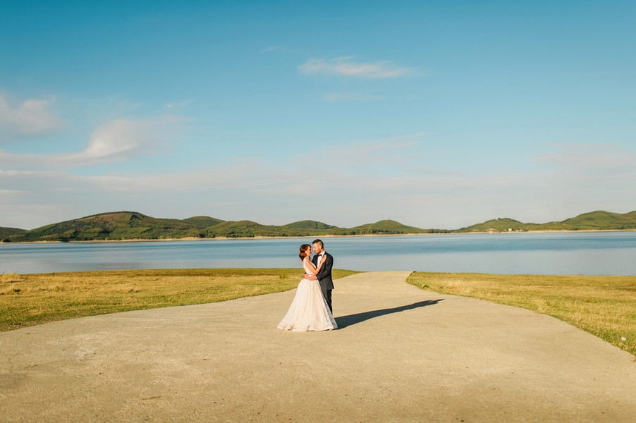 ellwed sofia_george_mirror_sg1435_low Greek Spring Inspired Wedding with Tulips in Tyrnavos
