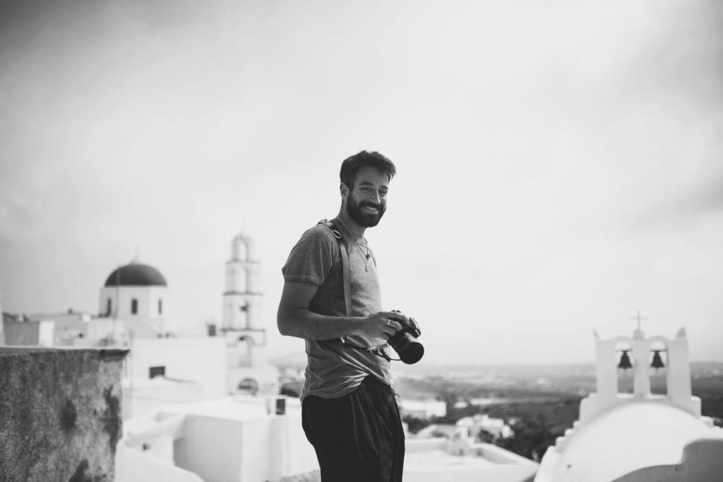 Destination wedding photographer Kimon on Ellwed Talks