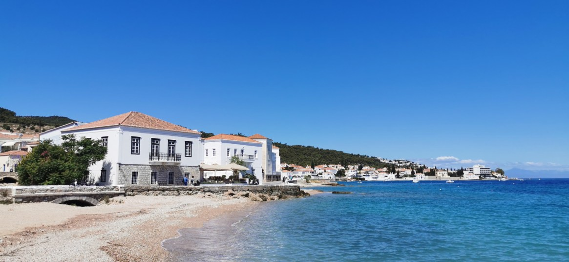 House by the sandy beach in Spetses Island