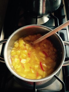 Mango Chutney in de pan