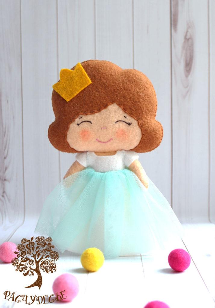 Moldes para hacer princesas de fieltro o tela