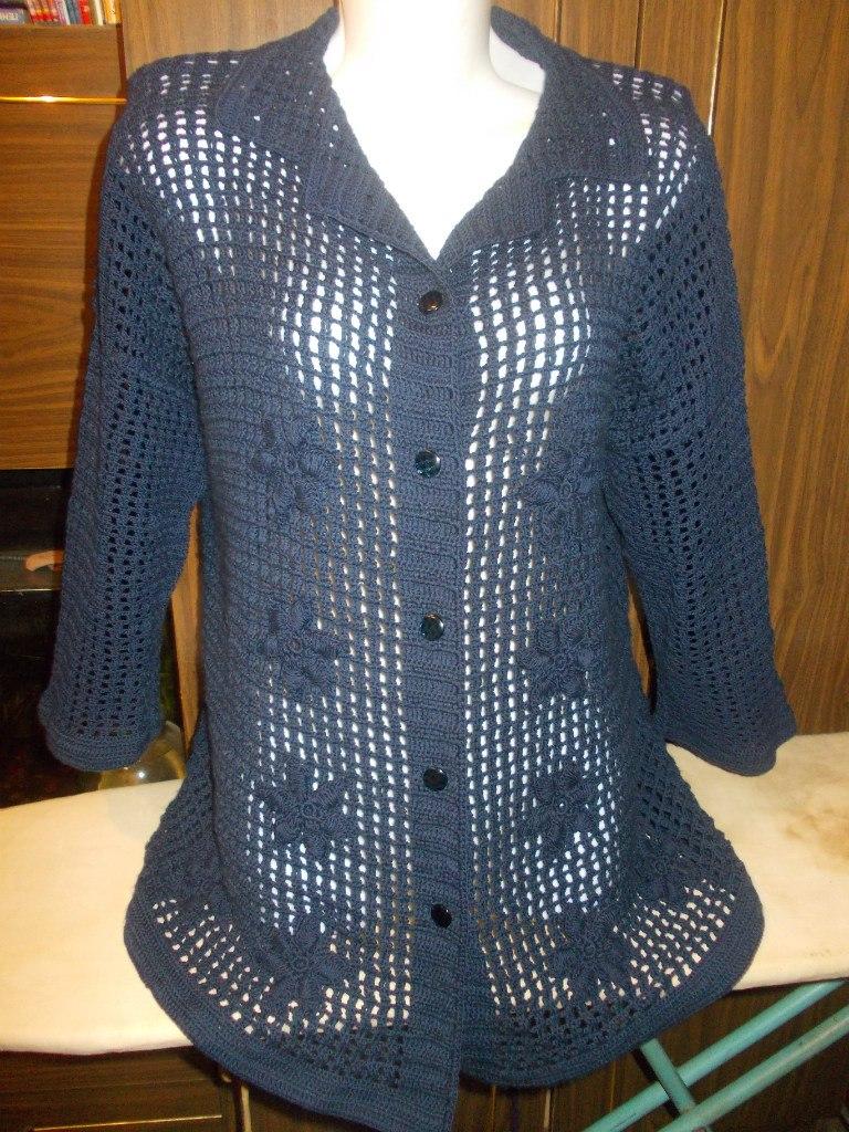 Patron blusa de manga larga tejida a crochet gratis
