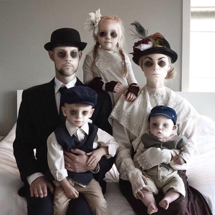 Esta familia hace las fotos grupales más originales que vas a ver 😎