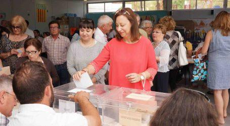 Elena Martínez agradece a los vecinos de Paterna su participación y felicita a Sagredo por los resultados