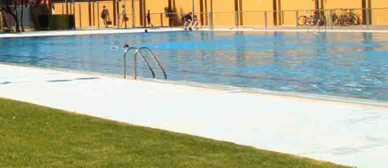 Burjassot ampl a el horario de la piscina de verano por for Piscina municipal manises