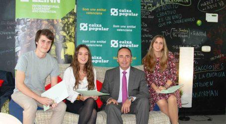 Caixa Popular concede tres becas a alumnos del Grado de Liderazgo Emprendedor e Innovación