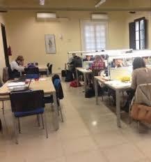 Manises triplica l'oferta d'horari especial per a als estudiants en la biblioteca