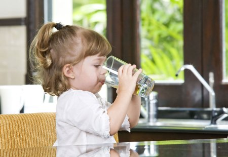 toddler drinking water
