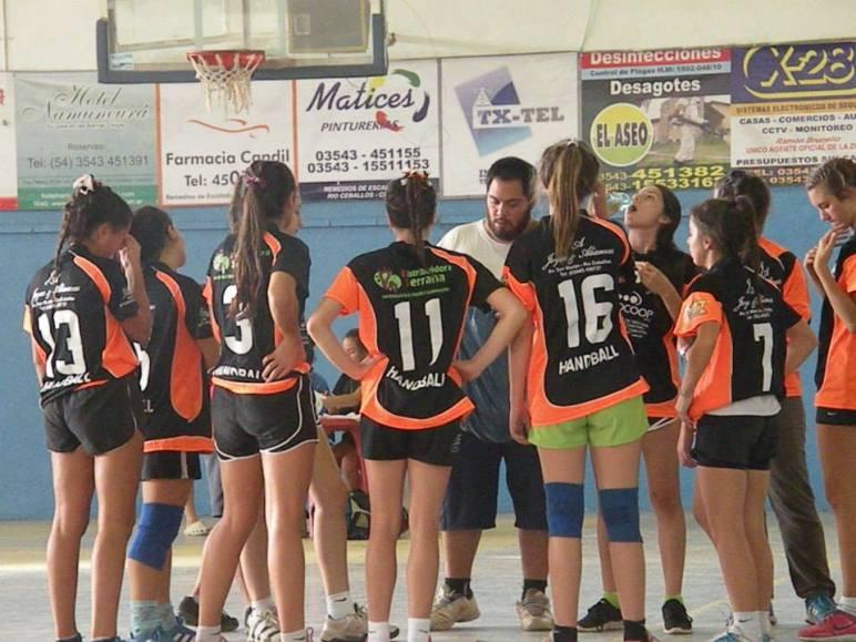 Un equipo que va por el Nacional de Hándbol de Jujuy 2015.