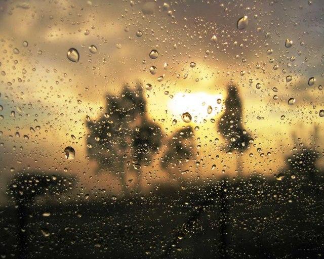 Viernes nublado y con lluvias ligeras 1