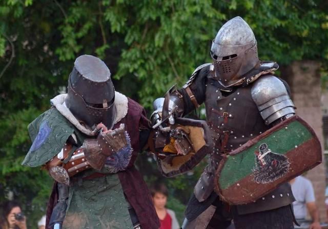 Invitan a practicar Combate Medieval en Agua de Oro 1