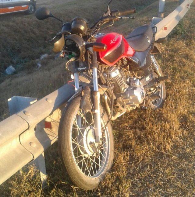 Fue en Unquillo, un motociclista perdió el control y terminó lesionado 3